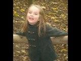 louane ma petite fille de 6 ans  qui chante mistral gagnant en studio pro