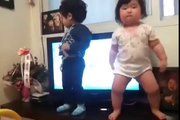What a dance by a chubby Korean baby_