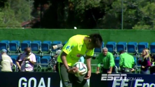 La feinte totalement improbable de Neymar sur pénalty !