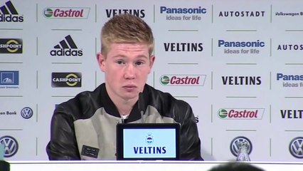 Kevin De Bruyne presented at Wolfsburg after completing move from Chelsea