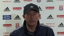 Stoke City v Liverpool - Tony Pulis Pre Liverpool Match | Champions League 2012