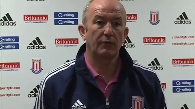 Stoke Boss Tony Pulis attacking Blackburn fans | Premier League Breaking Football News