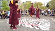 Buddhist monks are breakdancing on the Beastie Boys !