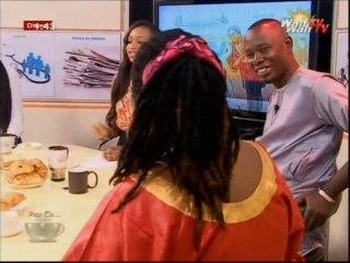 Selbe ndom montre et  explique l'origine de ses rastas