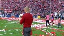 Football - La douche de bière de Guardiola