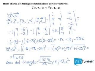 Vectores: calcula el área de un triángulo