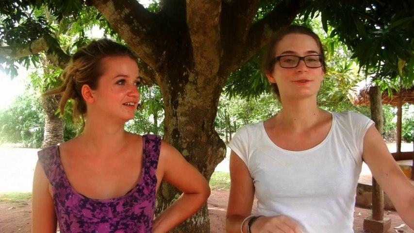 Caroline Bruvier et Tiphaine Depirou, volontaires en Service Civique au sein de l'ONG Action pour la santé et Education (ASE)