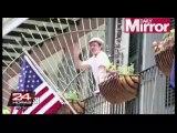 VIDEO: Brad Pitt y McConaughey se lanzan cerveza de balcón a balcón
