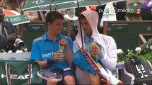 Roland Garros : Novak Djokovic abrite son ramasseur de balles