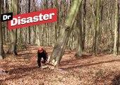Un bûcheron pas très doué / Dr Disaster