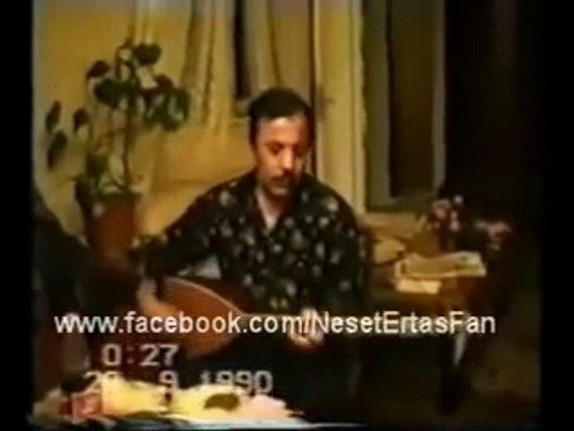 Neşet Ertaş - Nerde Ne Arıyon Divane Gönül (yıl 1990)