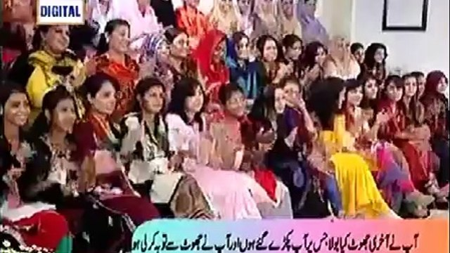 Nida Yasir telling about the most common bemari of Pakistani public and telling how she wished her husband on their 12th wedding aniversary