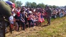 750 parachutistes lâchés à la Fière