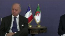 Laurent Fabius s'endort lors d'une réunion officielle à Alger