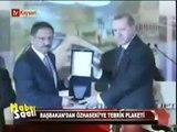 Başbakan Erdoğan, Kayseri Büyükşehir Belediye Başkanı Mehmet Özhaseki'ye Tebrik Plaketi Verdi