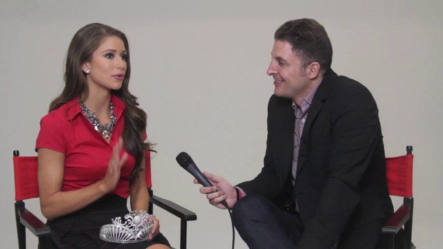 Miss USA Nia Sanchez Visits #InTheLab