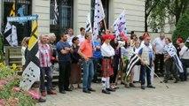 Les Bonnets Rouges devant les préfectures de Bretagne et de Loire-Atlantique