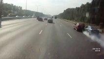 un accident avec des voitures, plus que spectaculaire.