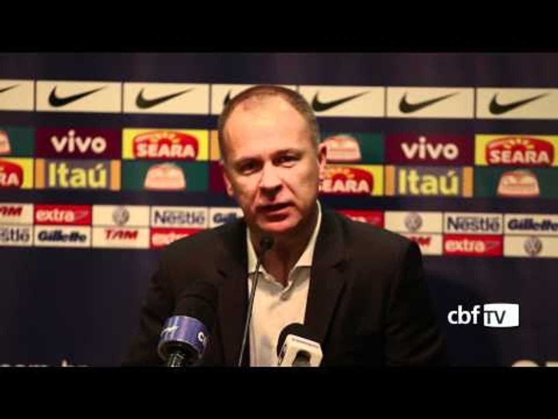 Entrevista coletiva de Mano Menezes apos vitória sobre o México