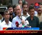 Karachi - MQM leader Haider Abbas Rizvi talking to media