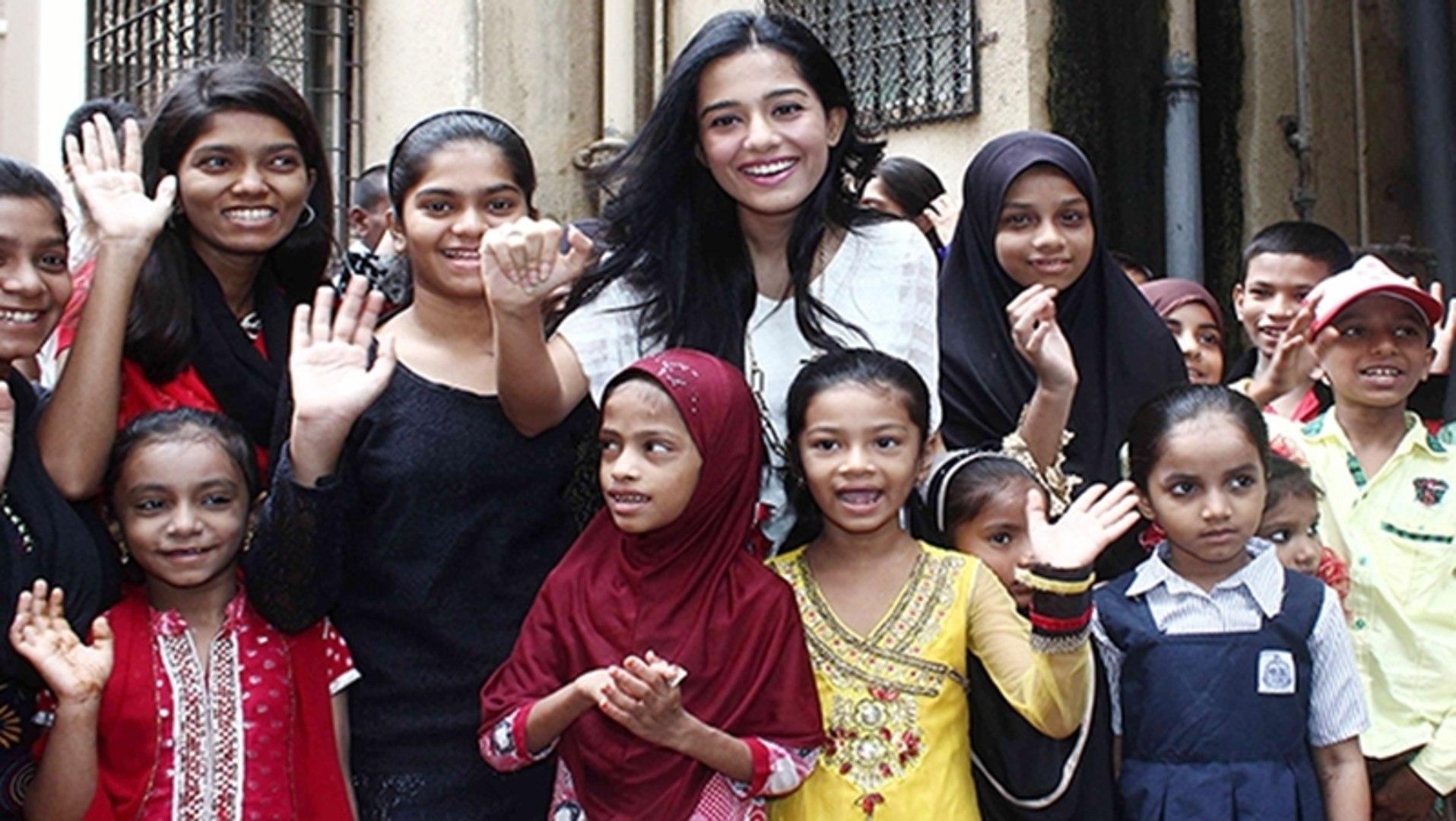 Amrita Rao Visited 'Pratham' NGO