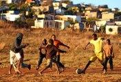 La conquête mondiale et pacifique du football