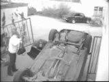 Femme au volant mort au tournant
