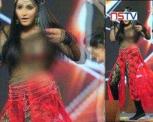 Ragini Dwivedi's wardrobe malfunction pictures leaked