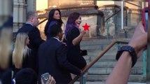 Demi Lovato fait un doigt d'honneur aux paparazzis