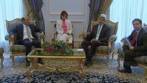 Kerry in Saudi Arabia, says Syrian opposition has key role against ISIL
