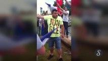 Des supporters français brûlent le drapeau algérien
