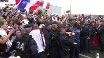 Mondial-2014: les Bleus accueillis par des supporteurs