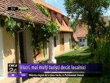 Localitatea Viscri primeşte anual de 30 de ori mai mulţi turişti decât numărul locuitorilor. Satul a devenit foarte cunoscut în ţară  şi chiar în lume, graţie prinţului Charles al Marii Britanii