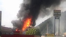 Magasin géant de feu d'artifice pend feu le 4 juillet dans le Tennessee!