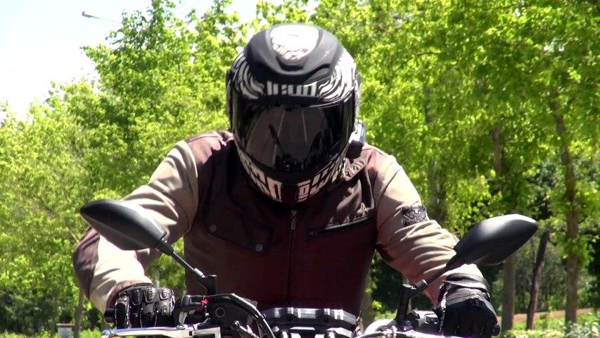 Yamaha MT 07 vs. Kawasaki ER6N (English)