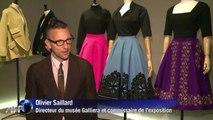 La mode des années 1950 exposée au Palais Galliera à Paris