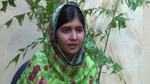 """Malala in Nigeria per ragazze rapite: """"Fare ogni sforzo per loro"""""""