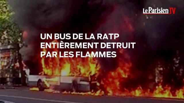 Un bus de la RATP entièrement détruit par les flammes