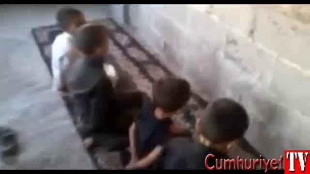 Dünyayı şoke eden görüntü: Çocukların infaz oyunu