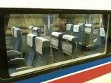 Des sièges se retournent dans un train japonais