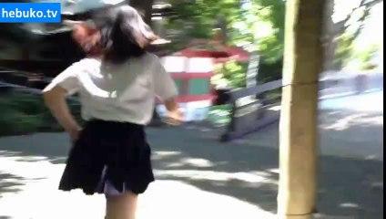 Duvardan duvara atlayan Japon kız