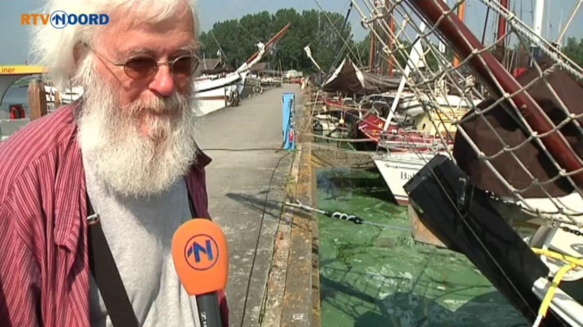 Extra boenen op boten door blauwalg - RTV Noord