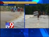 Low lying areas in UP and Gujarat submerged due to floods