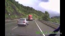 Les accidents de camion les plus violent jamais vu! Compilation de crash!