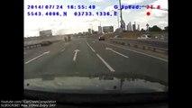 Compilation d'accidents de voiture de dingue - Juillet 2014
