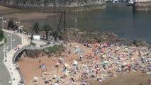 La playa de Palmera a tope. Candás, Asturias