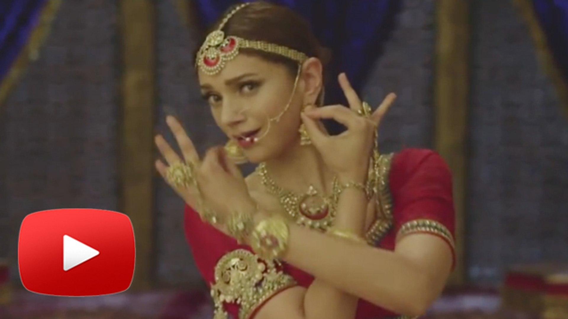 Aditi Rao Hydari's Marathi Dance Moves In Rama Madhav !