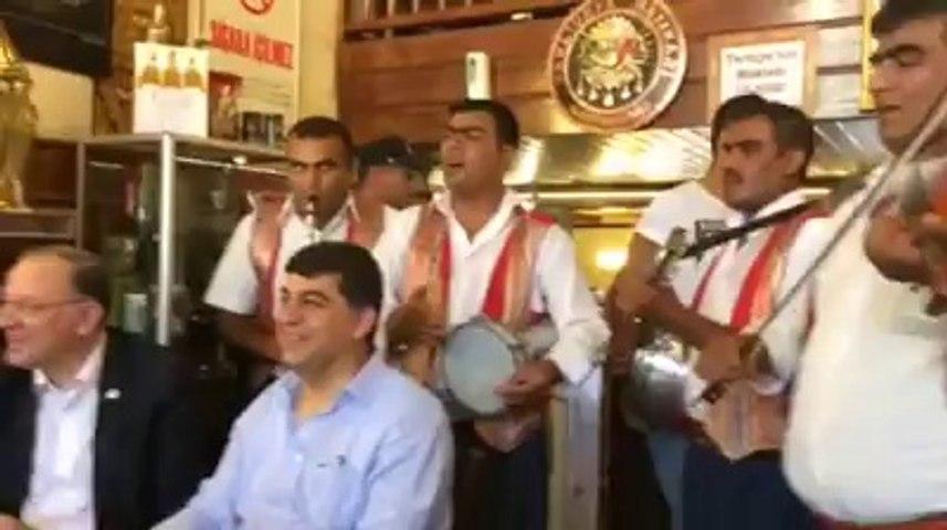 Seçim arefesinde günün sürprizi Mehmet Yakar !