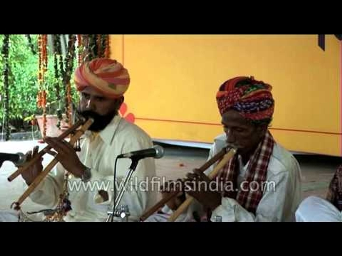 An amazing performance by Rajasthani Folk Musicians