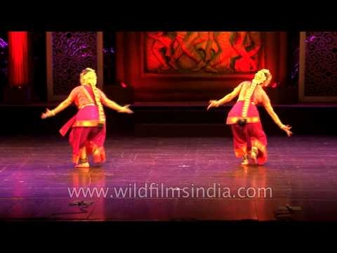 Russian dancers mesmerise Delhi with Indian Classical moves!